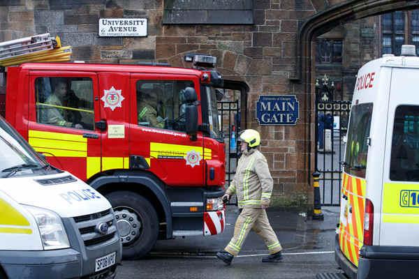 英国苏格兰银行及大学收到可疑包裹 人员已疏散