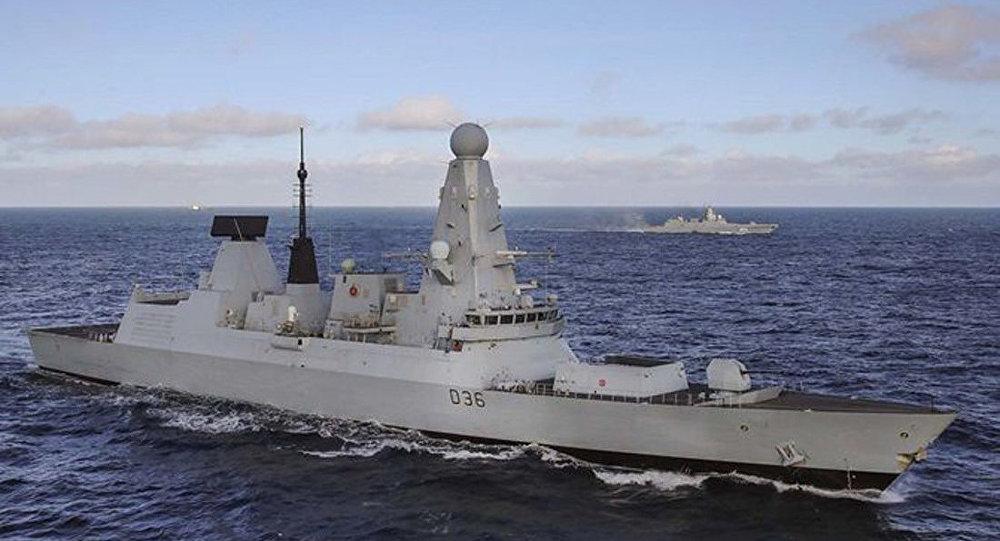 俄军舰队通过英吉利海峡 英军派45型驱逐舰监视