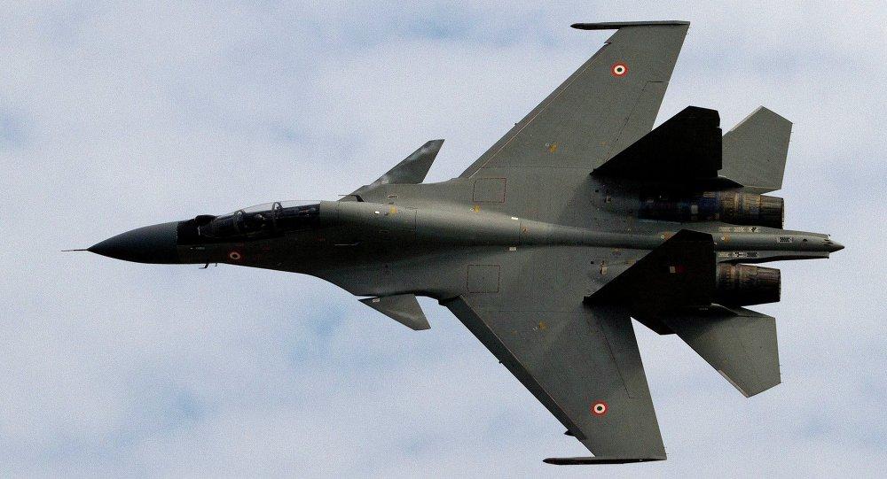俄媒:印飞行员凭借苏亚洲杯30矢量超机动躲过巴军导弹