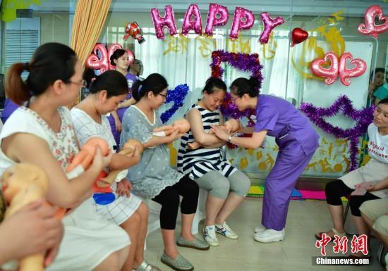 中国消费者协会:中国母亲对母乳喂养优势认同度降低