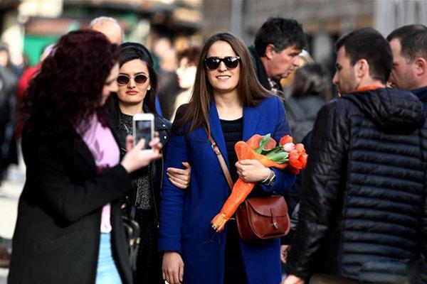 萨拉热窝:鲜花迎接妇女节