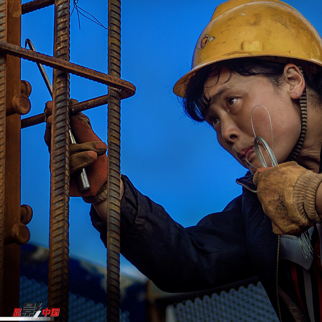 刚柔并济:建筑工地上的女性身影