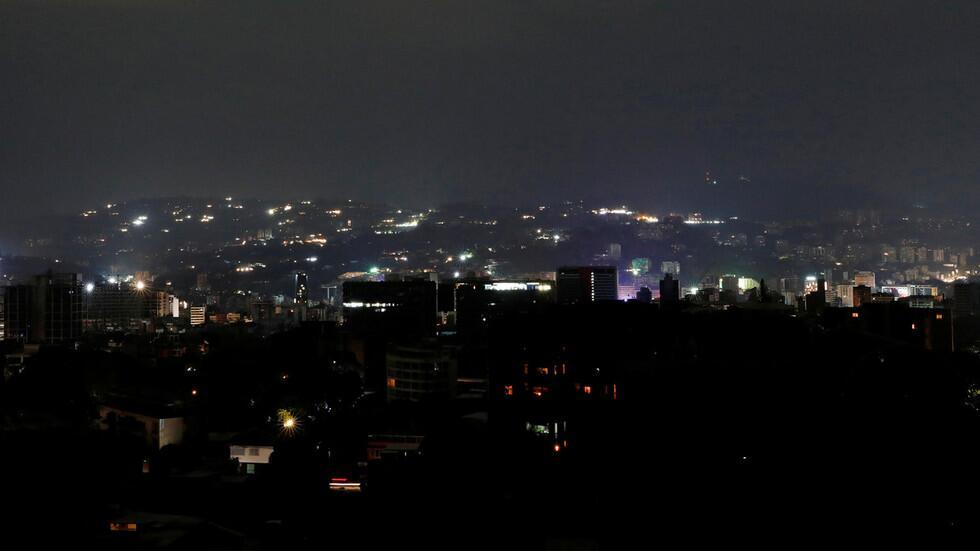 """委内瑞拉发生大规模停电 马杜罗怒指美国发动""""电力战"""""""