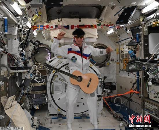"""宇航员能""""订餐""""?俄官员:飞船将带去奶酪等零食"""