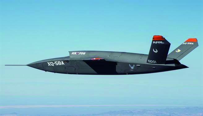 """无人机搭配有人战机:F-35""""忠诚僚机""""成功首飞"""