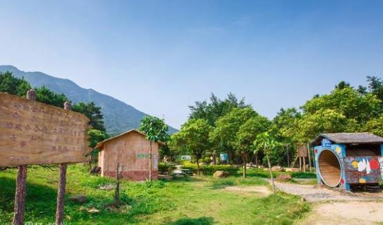 发挥好旅游业在生态文明建设中的优势