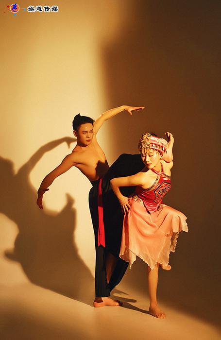 舞蹈_中国舞蹈家夏冰:舞动山之雄魂水之神韵