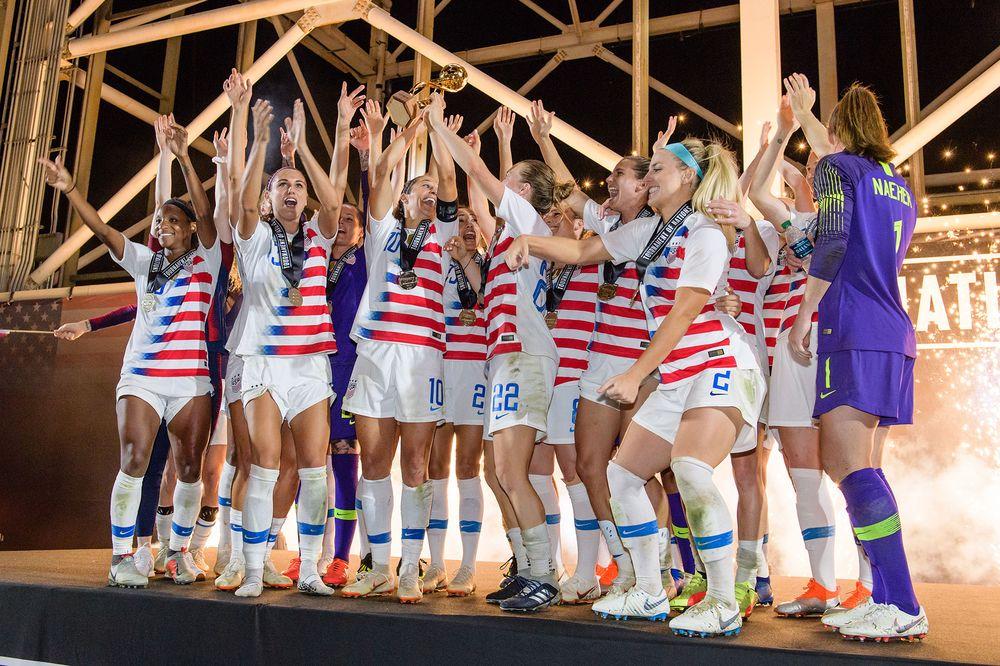 美国家女足3·8妇女节状告足协 要求与男足同酬