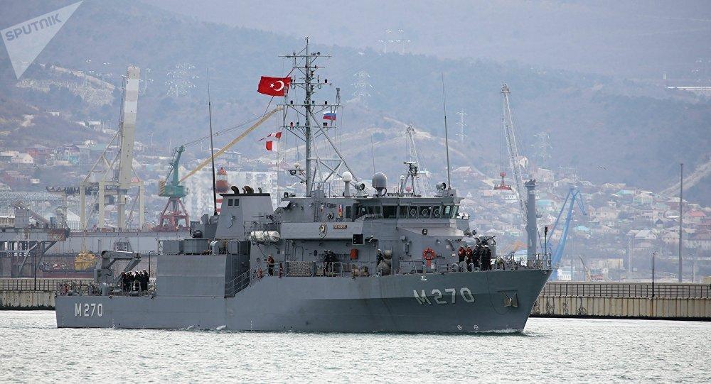 俄罗斯与土耳其在黑海联合演练突破海上雷区
