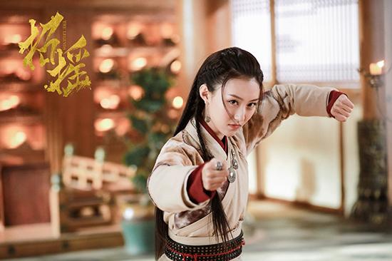 《招摇》怪力少女上线 高萌甜心张鑫演技获赞