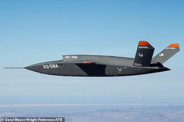 美空军展示低成本高效无人机XQ-58A Valkyrie视频