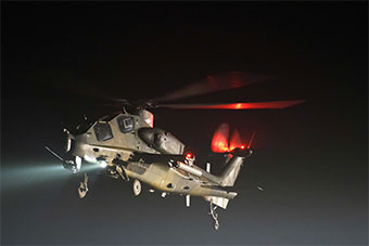 空降兵跨昼夜实战训练 锤炼全天候作战能力