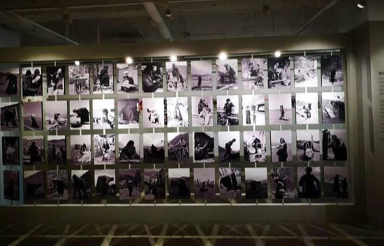 """""""为了母亲的微笑""""第二届幸福工程跡录展在大千当代艺术中心正式开展"""