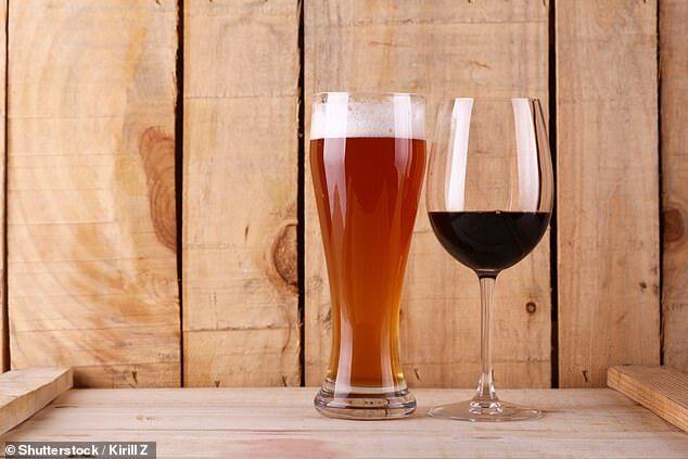 美国研究:每天喝一体育杯酒 患高血压风险加倍
