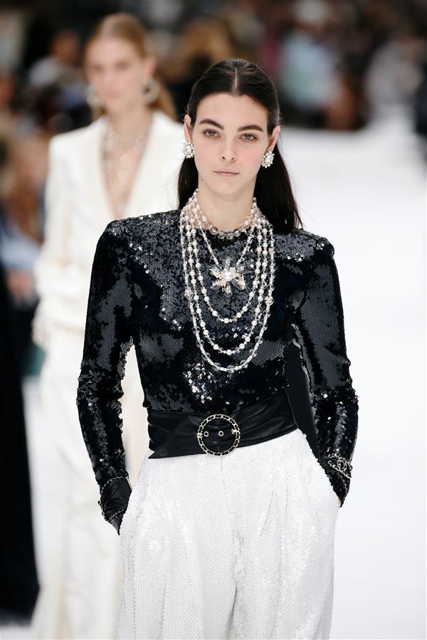 巴黎时装周:香奈儿品牌时装秀