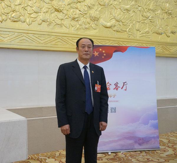 海外列席代表郭文昌:肯尼亚侨胞身在海外心系祖国