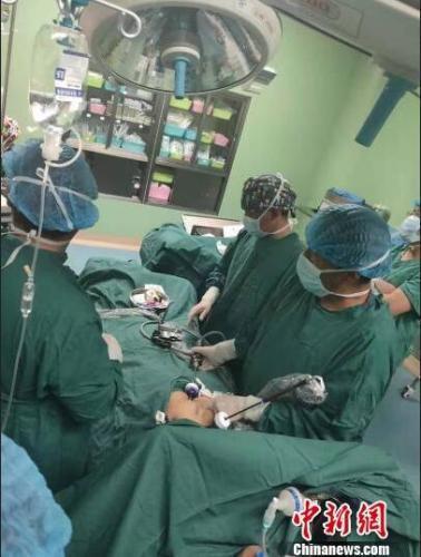 西藏首例先天性全内脏反位胆囊切除手术成功