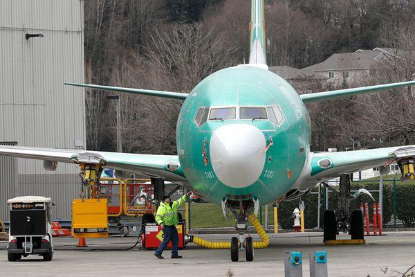 5个月内2次坠机!波音737Max8安全性能受质疑
