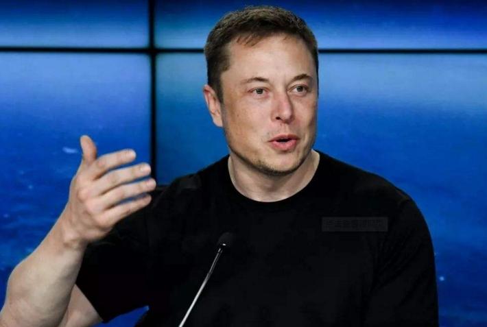 马斯克:Autopilot下周一将恢复原价 此前降价是个错误