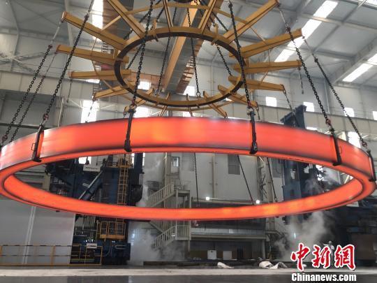 中科院研制成功世界最大无焊缝整体不锈钢环形锻件