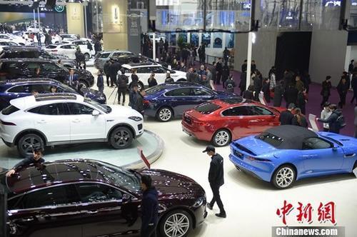 2月中国汽车经销商库存系数同比升近三成