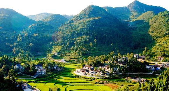 大力发展乡村旅游  更好助力脱贫攻坚