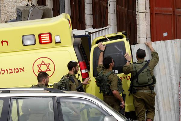 巴勒斯坦男子持刀袭击以色列士兵被击毙