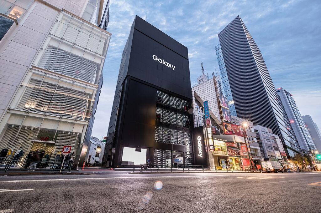 三星在东京开设全球最大Galaxy智能手机旗舰店