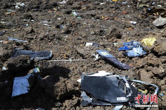 直击埃航空难现场:中国救援队员的眼泪
