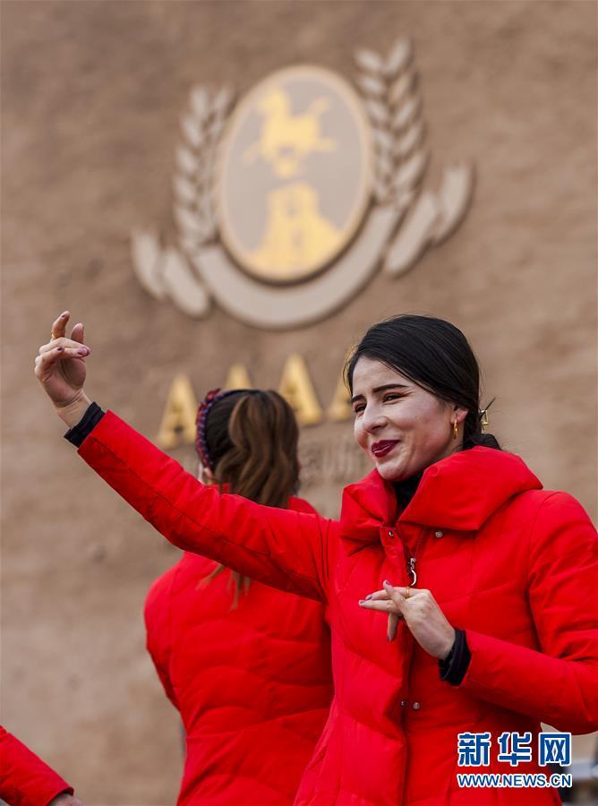 新疆旅游 寒冬不寒