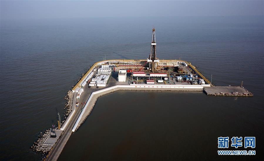 石油人逐梦滩海