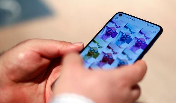 """三星正在研发""""完美全面屏""""手机 两年后或可实现"""