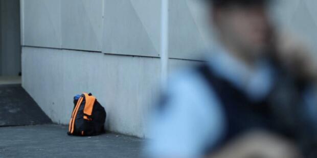 枪击案后,新西兰奥克兰火车站现可疑包裹,现场传出爆炸声