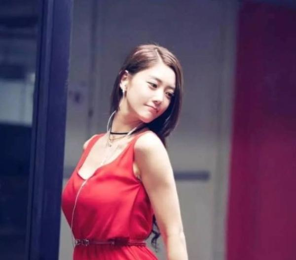 亚洲第一女神李成敏周日大婚,闪婚美国富商,真实年龄成谜