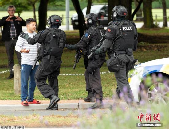 新西兰警方搜查但尼丁市一住所 称与枪击案有关