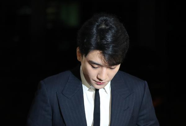 """韩国""""胜利事件""""持续发酵牵连整个娱乐圈,总理要求严查到底"""