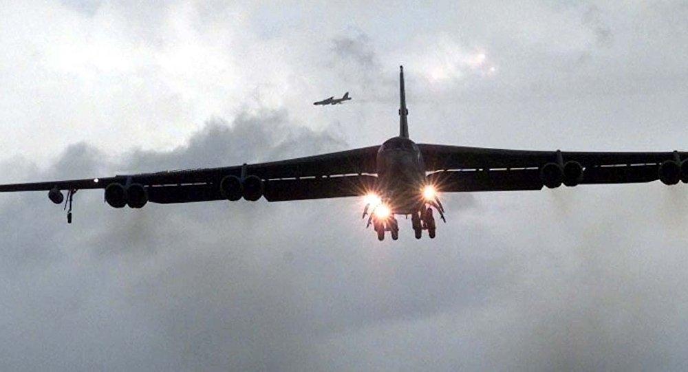 俄媒:美军B-52轰炸机靠近俄边境 模拟对俄轰炸