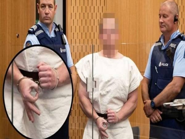 """新西兰枪击案嫌犯出庭比""""白人至上""""手势 有人试图闯法庭持刀行刺"""