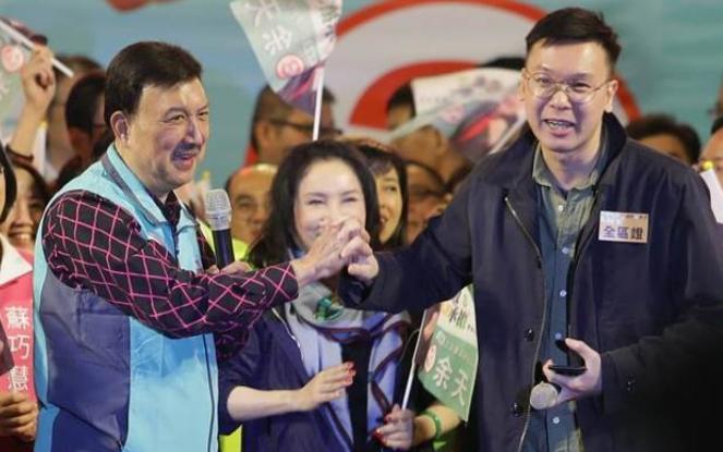"""民进党造势请""""太阳花""""代表被台网友酸爆"""