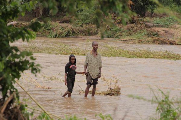 强热带气旋袭击津巴布韦 死亡人数升至31人