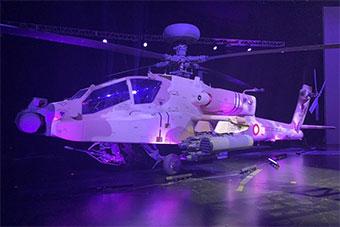 美国向卡塔尔军队交付AH64E武装直升机