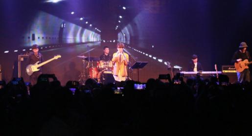 徐秉龙独立音乐盛典现场音乐会首秀《宝贝》