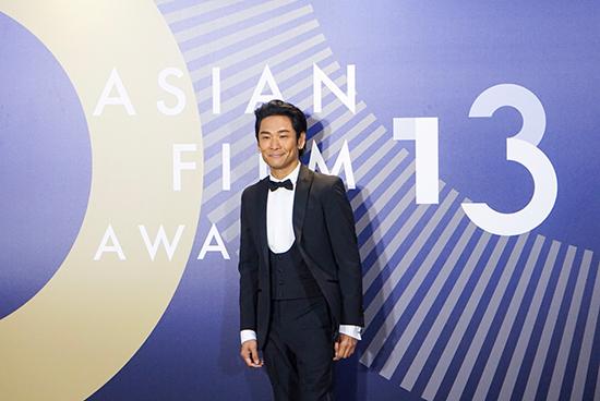 杜德伟担任亚洲电影大奖颁奖嘉宾唱《如泣如诉》