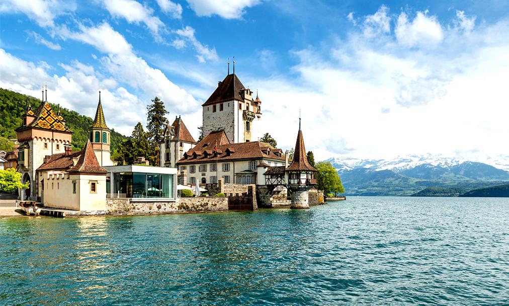 """瑞士湖间镇因特拉肯:品味""""欧洲屋脊""""慢时光"""