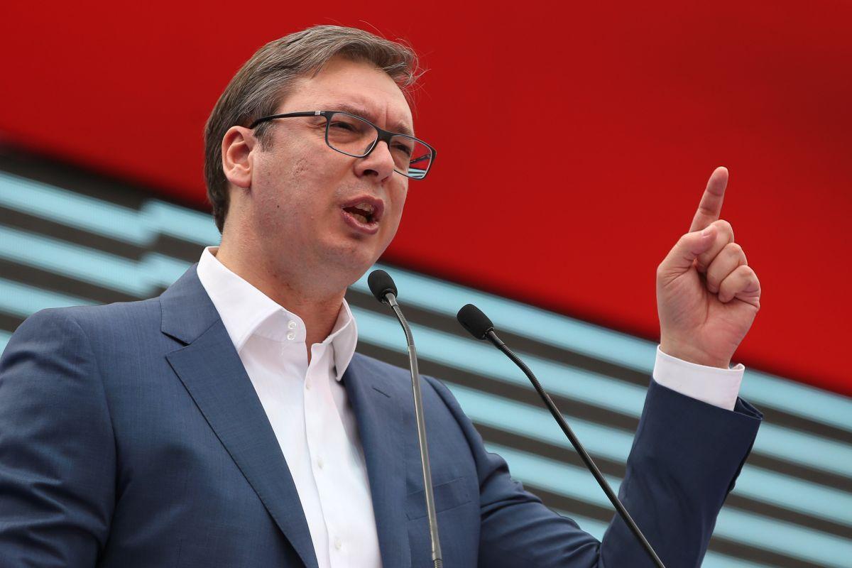 塞尔维亚首都爆发骚乱 总统武契奇誓言对骚乱参与者追责
