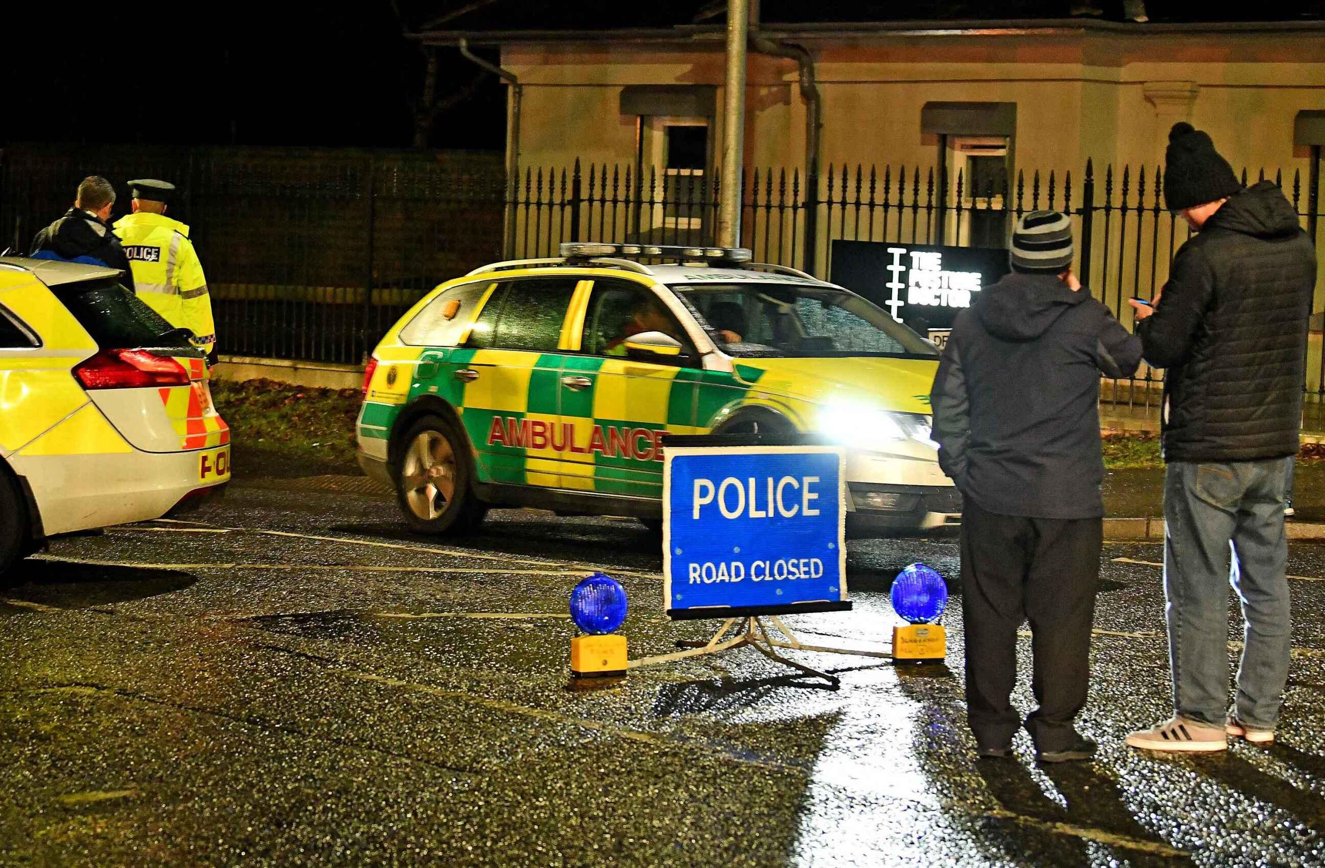英国北爱尔兰圣帕特里克节发生踩踏事件 造成3死多伤