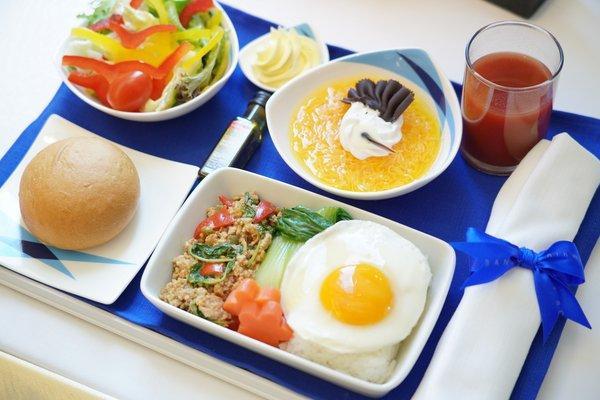 新菜单上的餐品包括泰式鲜虾炒河粉、椰子酱、南瓜鸡蛋羹 等等