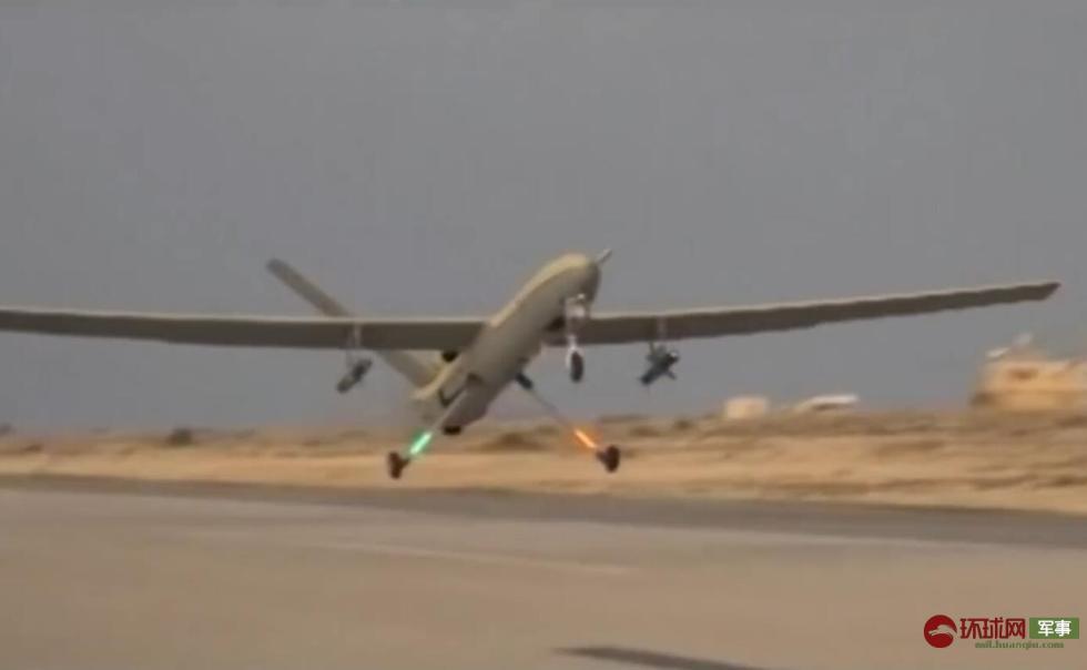 伊朗出动50架无人机军演 公开投弹轰炸画面