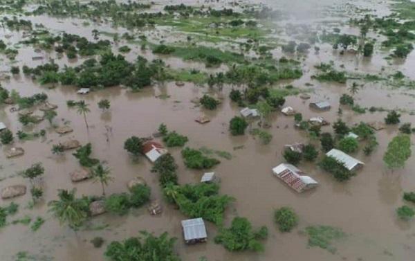 """津巴布韦遭飓风""""伊代""""袭击 死亡人数攀升至65人"""