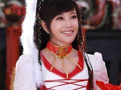 感情生活丰富的刘晓庆,在何时都不乏追求者,胸怀大志放弃生育